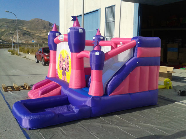 Piscina hinchable princesas for Suelo piscina carrefour
